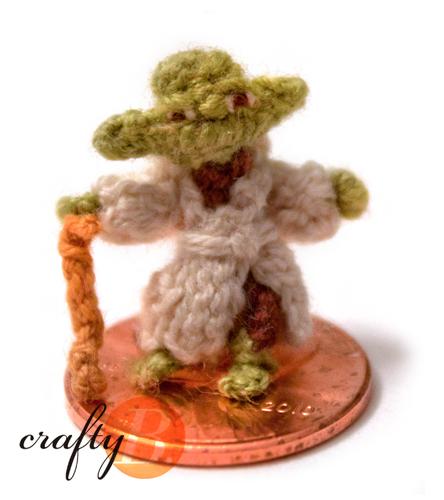 microcrochet-yoda-kellycheatle